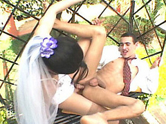 Lascivious shemale bride eagerly ramming and creaming alms-man