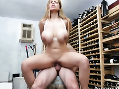 Jordan Ash fucks devilishly sexy Yurizan Beltrans honeypot with as a last resort intersection