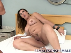 Gorgeous shemale wails earn a fine pussy with their way thick schlong