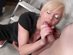 Shemale Cougar 2