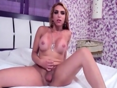 Shemale strips stay away from her dress for a blowjob