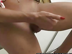 Sexy latina shemale hottie tugging primarily her everlasting cock