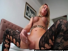 Beautiful big blarney tranny masturbates